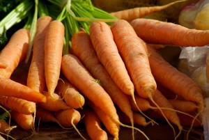 https://pixabay.com/en/carrots-vegetables-vegetable-garden-673201/