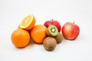 https://pixabay.com/en/apples-kiwi-oranges-fruit-vitamins-428075/