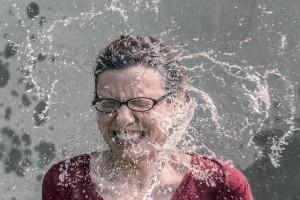 https://pixabay.com/en/refreshment-splash-water-woman-438399/