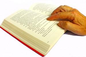 https://pixabay.com/en/book-reading-literature-read-700388/