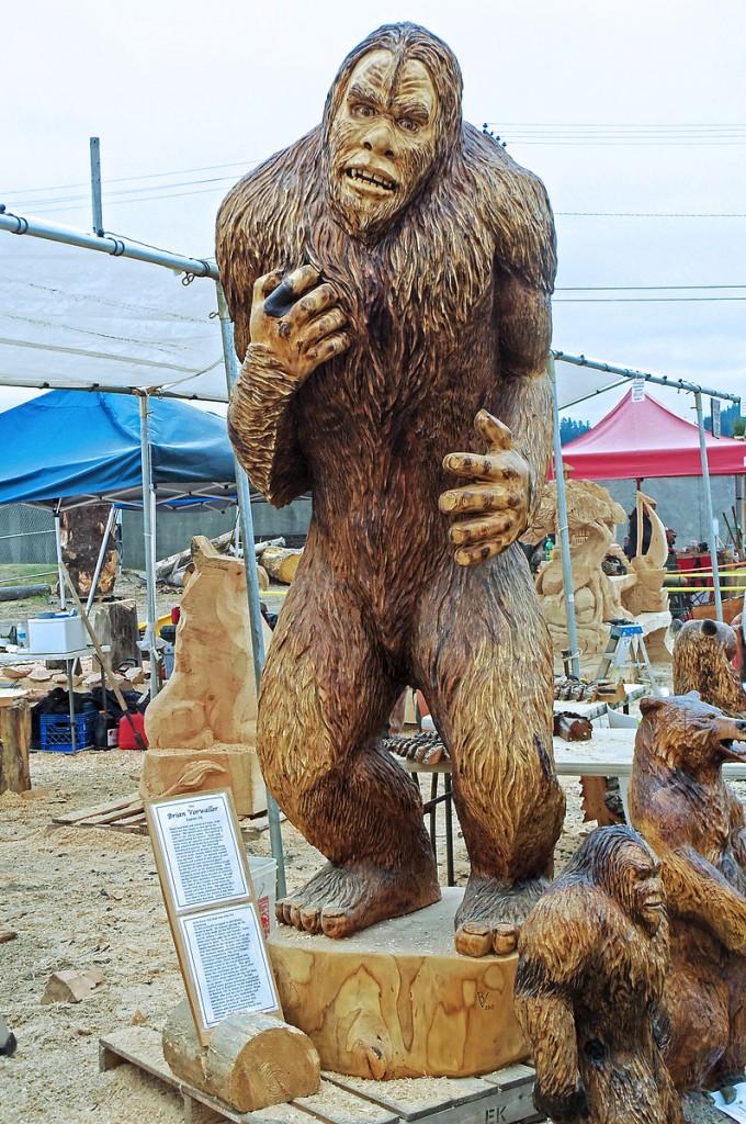 Sasquatch_Statue