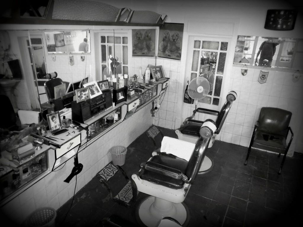 http://pixabay.com/en/barber-invite-hairdresser-barbershop-86379/
