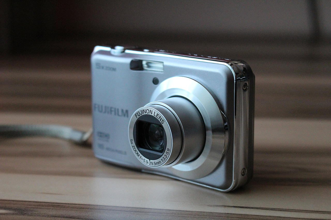 how to connect digital camera to computer