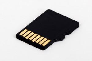 micro-sd-card-72141_640