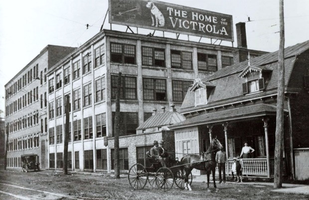 Horse and carriage in front of Victrola factory.