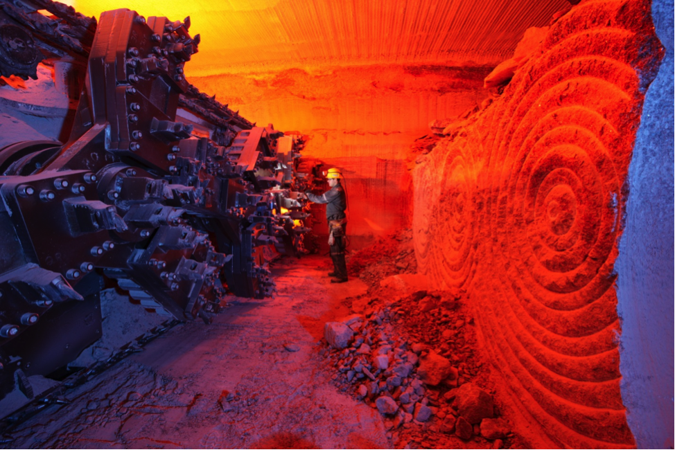 A mining machine at the face of potash ore (sylvite) in the Lanigan Mine near Saskatoon, Saskatchewan. The mineable potash layer is about 3 m thick.