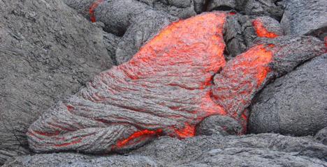Figure 6.2 Lava forming pahoehoe basalt at Kilauea Volcano, Hawaii [SE]
