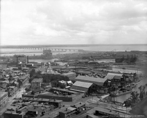 A view of the Montreal docks in 1896 reveals working class housing tucked in among the factories and and works yards. Note the laundry on the line in the lower foreground. (McCord Museum) http://www.musee-mccord.qc.ca/en/collection/artifacts/VIEW-2942
