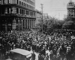 A crowd gathers outside Winnipeg City Hall in 1919 during the general strike. (Library and Archives Canada) https://commons.wikimedia.org/wiki/File:WinnipegGeneralStrike.jpg