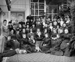 The NCWC gathers in 18989 at Rideau Hall in the company of one of its champions, Lady Aberdeen (centre) and her husband, the Governor-General.