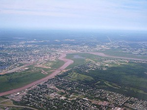 Atlantic cities may have grown more slowly but they took on many of the suburbanized elements of much larger centres, as Moncton reveals from the air. (Author: Sebastien Paquet) https://commons.wikimedia.org/wiki/File:Moncton_aerial_3847.jpg