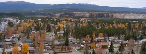 "Even the smallest 20th century cities, like Whitehorse, adopted the suburban style of housing (among them, the ""rancher"" and the ""split-level bungalow"") and exploited peripheral land rather than building higher densities. (Photographer: C. Robson) https://en.wikipedia.org/wiki/File:Whitehorse_Yukon_Panorama_Sept_2008_second_version.jpg"